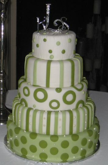 Varigated shades of celery-colored fondant in stripes and circles make this a fun and unique - yet...