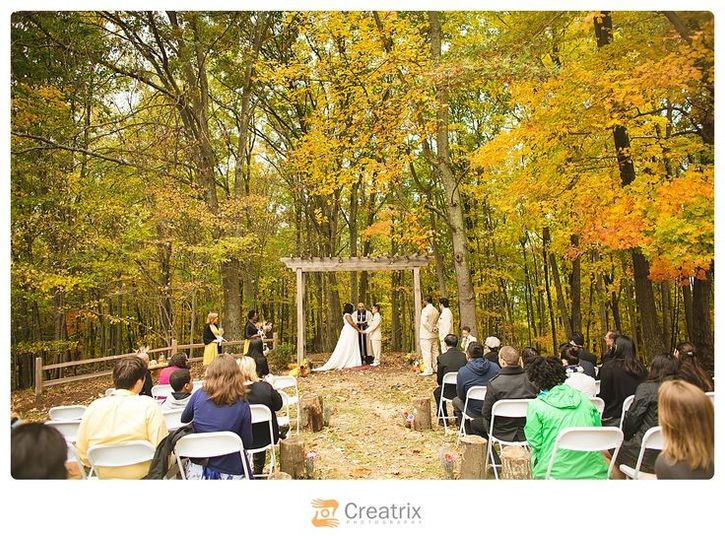 lovewell lodge oct wedding arbor