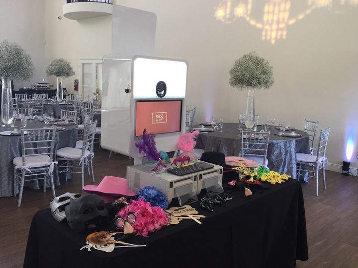 Photo booth and props