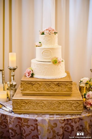 VG Donut and Bakery Wedding Cake Cardiff by the Sea CA