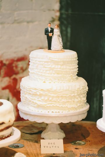 vg donut and bakery wedding cake california san diego la jolla