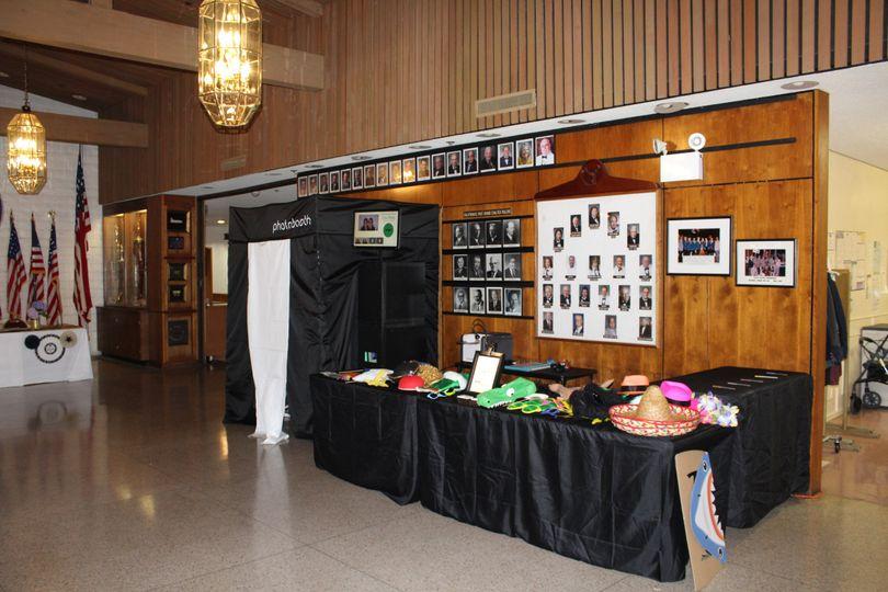Epic Pics PhotoBooth / Lobby Set Up