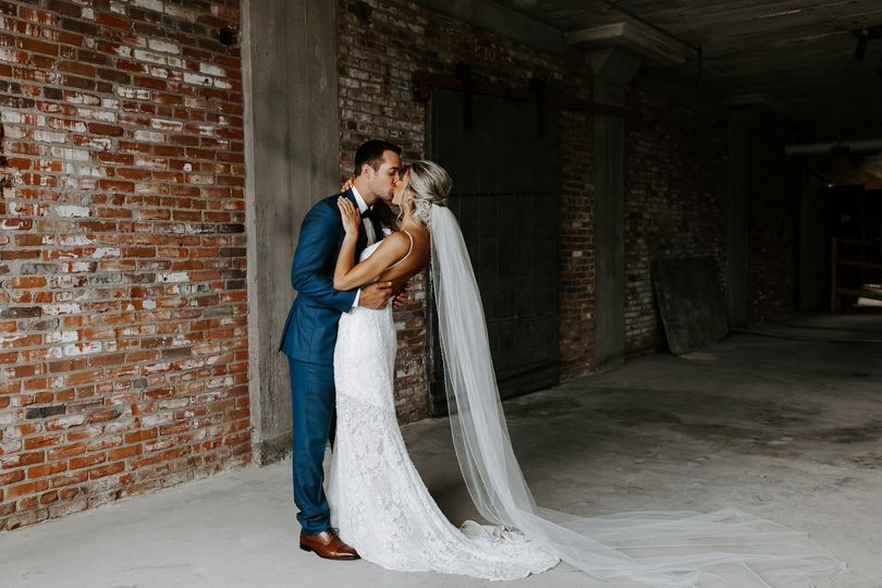 Newlyweds kiss - Christina Ney Photography