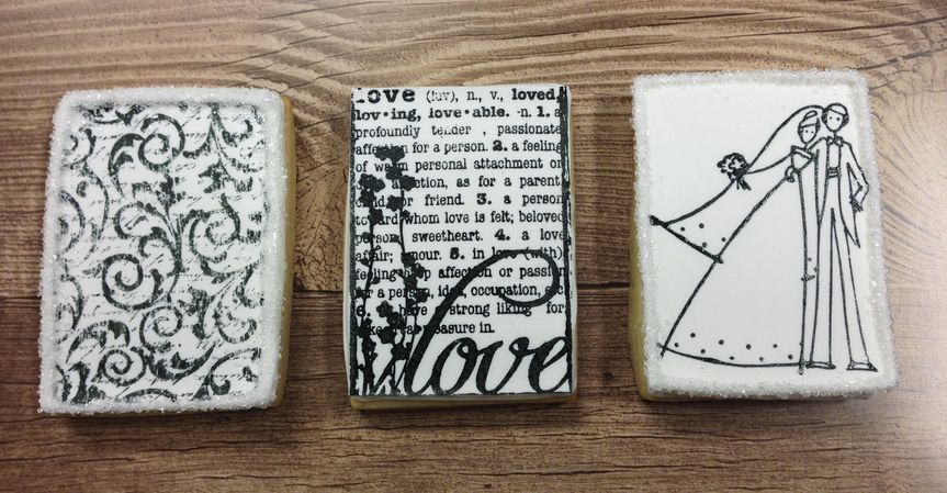 Custom stamped cookie favors