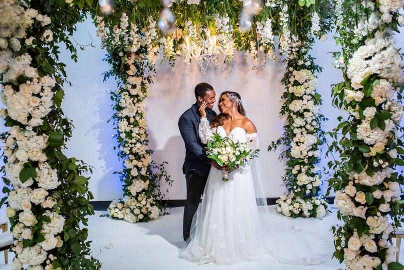 wedding arch with couple valdosta ga 51 1976033 161599211377100