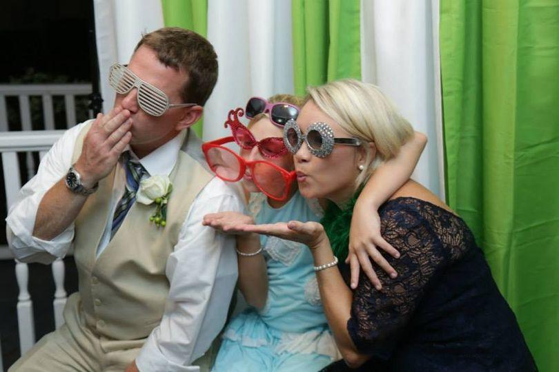 meriwether daniels wedding photobooth fun