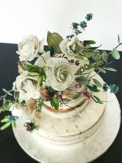 Sugar flowers on Naked Cake