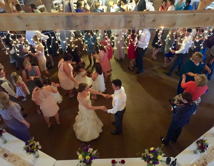Party It Up Entertainment Dj Blue Springs Mo Weddingwire