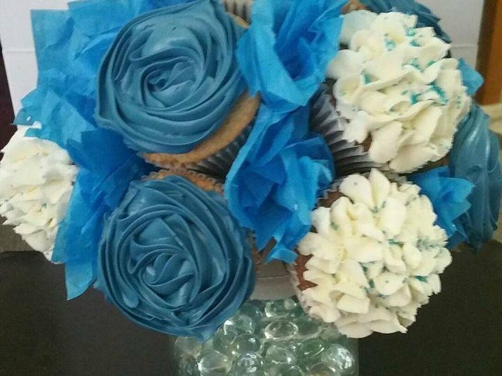 Tmx Cupcakebouquet2 51 1380133 159624393329410 Manteca, CA wedding cake
