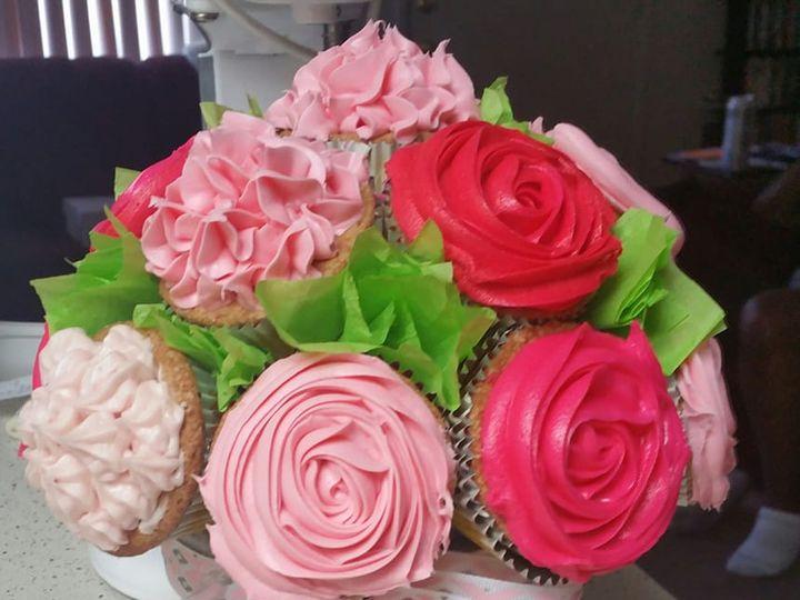 Tmx Cupcakebouquet3 51 1380133 159624393364253 Manteca, CA wedding cake