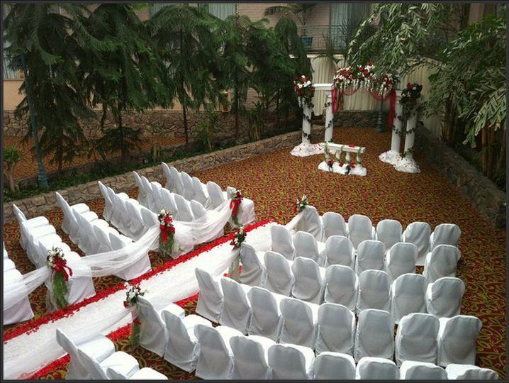 WeddingceremonyRedWhite 3