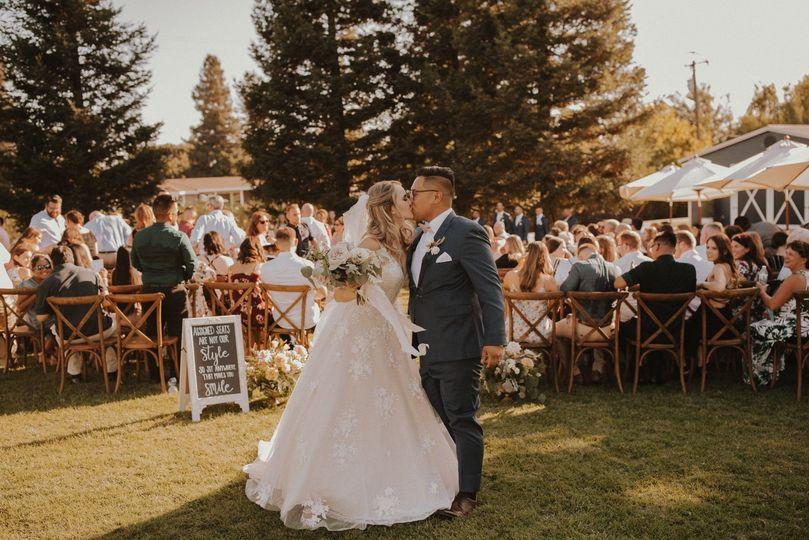 Lone Oak Longhorn Wedding