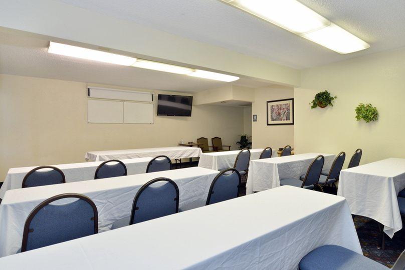 mohavemeetingroom 1