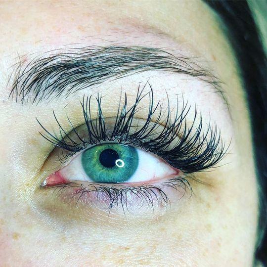 Full lash extensions