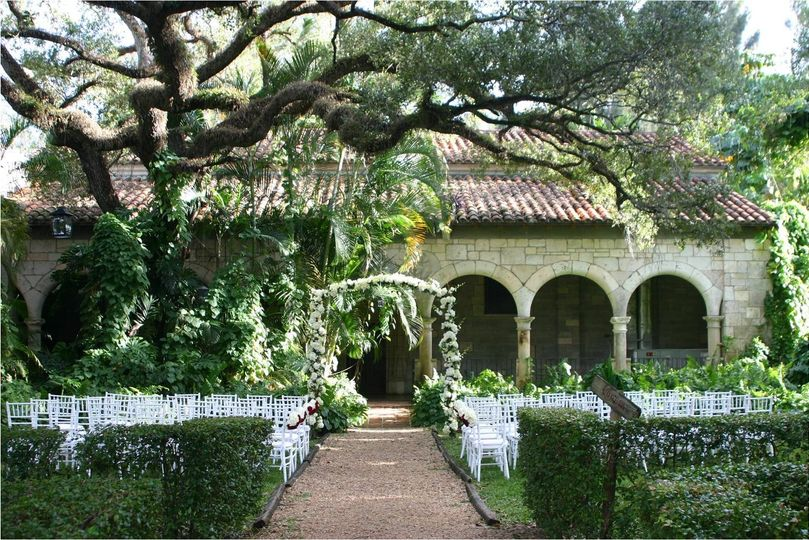 The ancient spanish monastery venue north miami beach for Outside wedding venues near me