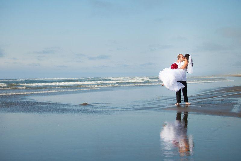 800x8001430799026461 beach wedding ckd photography