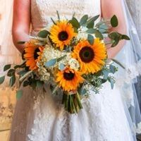 Tmx 23031538 1703583449685816 5706927233055527497 N 51 688133 1573153511 Frederick, CO wedding florist