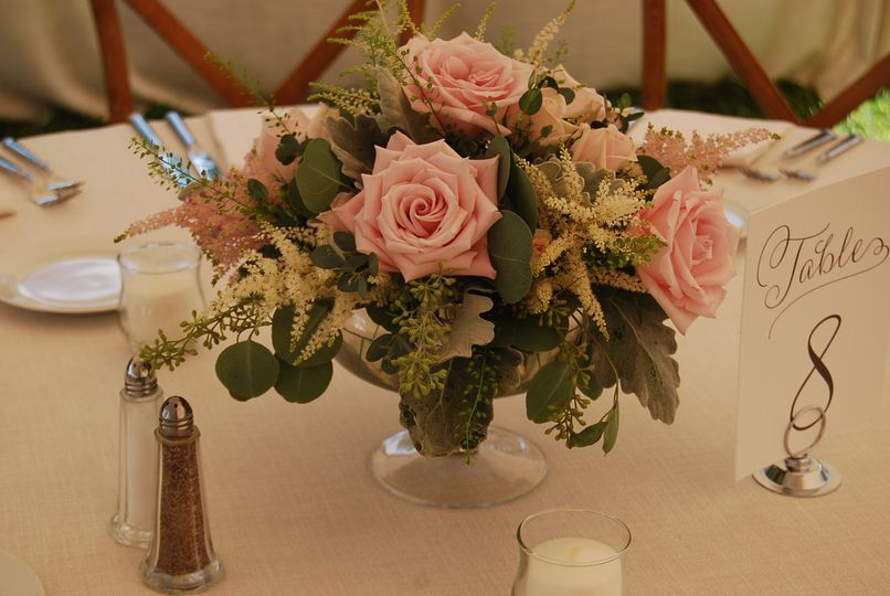 Peach-rose centerpiece