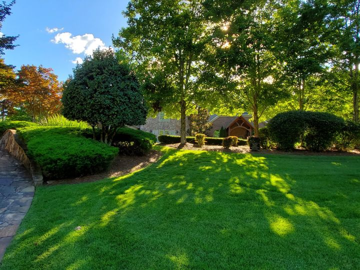Tmx Side Lawn With Bridge And Wicklow Door In View Sunlight Through 51 2233 159620622374704 Tyrone, GA wedding venue