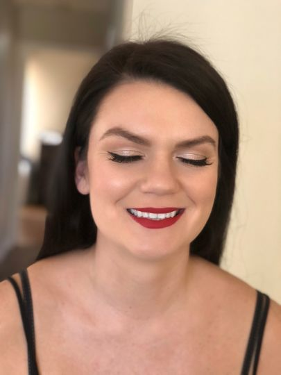 Classic Wing & Red Lip