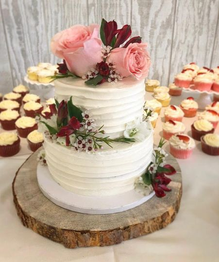 flower topped wedding cake 51 1063233 160117873484369