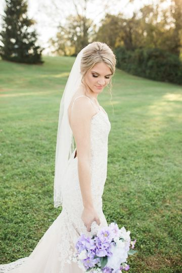 Blonde bridal look
