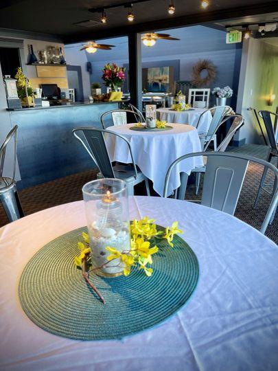 Top Deck Lounge Eastlake Bar