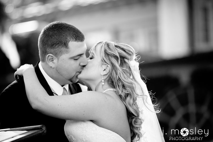 800x800 1382546433040 chriscaitlinweddingblog0045