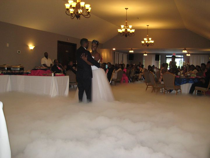 Tmx 1524007264 De3a5a2e16b3e9ae 1524007261 9583715319b69abe 1524007229752 46 Dry Ice 012 Raleigh, North Carolina wedding dj