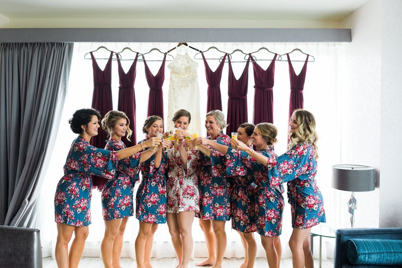 The bride and her bridesmaids | Photography Credit: Sisi Connor Photography
