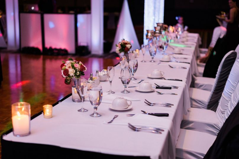 Head table set-up