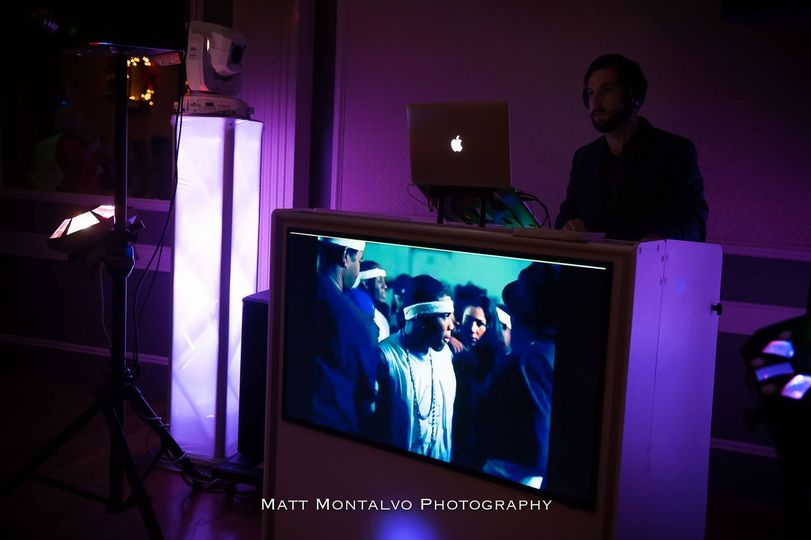 800x800 1456245474076 dj table with video