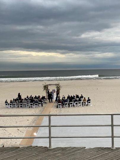 SUNNY ATLANTIC BEACH WEDDING