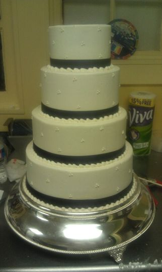 Simple Swiss Dot Wedding Cake