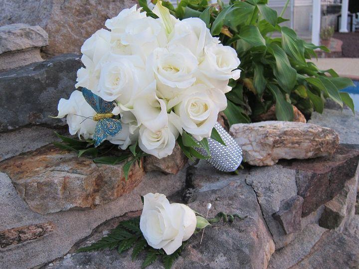 bouquetandboutonniere
