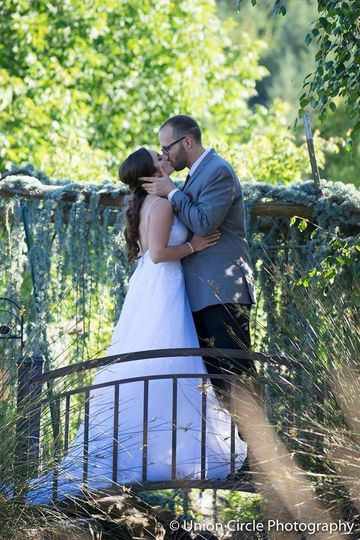 Blush bridal tux shop reviews ratings wedding dress for Wedding dresses eugene oregon