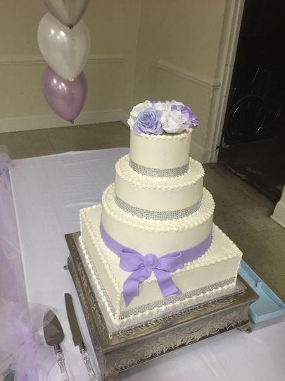 deba6382874990ee wedding cake