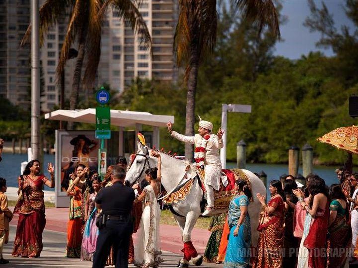 Tmx 1518626818 5c430a8837abb9ea 1518626816 2dc5340fb9e995de 1518626822766 4 1969333 8721830194 Palm Bay, Florida wedding transportation