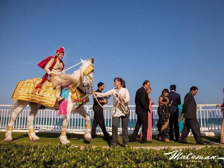 Tmx 1518626850 592520cb6b240ed1 1518626849 7b7c9862e02acbfa 1518626856089 8 FB IMG 14527287819 Palm Bay, Florida wedding transportation