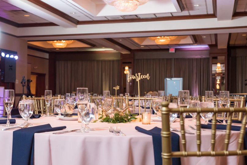 Hilton Garden Inn Cleveland Downtown Venue Cleveland Oh Weddingwire
