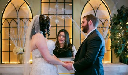 Lucie Lucerino, Ordained Wedding Officiant