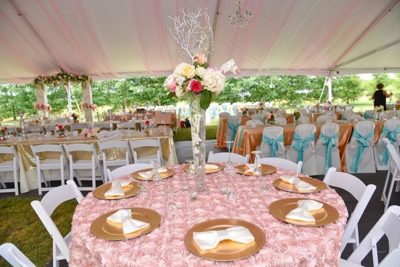 Pink and gold table setup