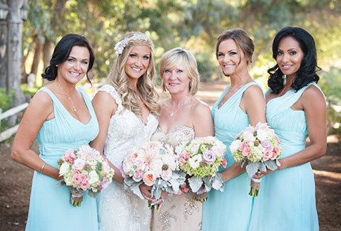 linsey with bridesmaids