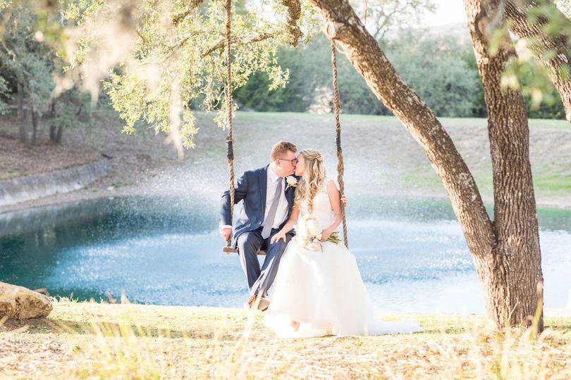 97bb4a322b6a4df1 Navy And Blush Wedding At Kendall Plantation 0100