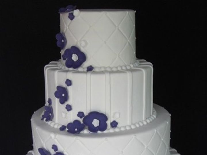 Tmx 1334620634586 PurpleFlowers8 Chino Hills wedding cake