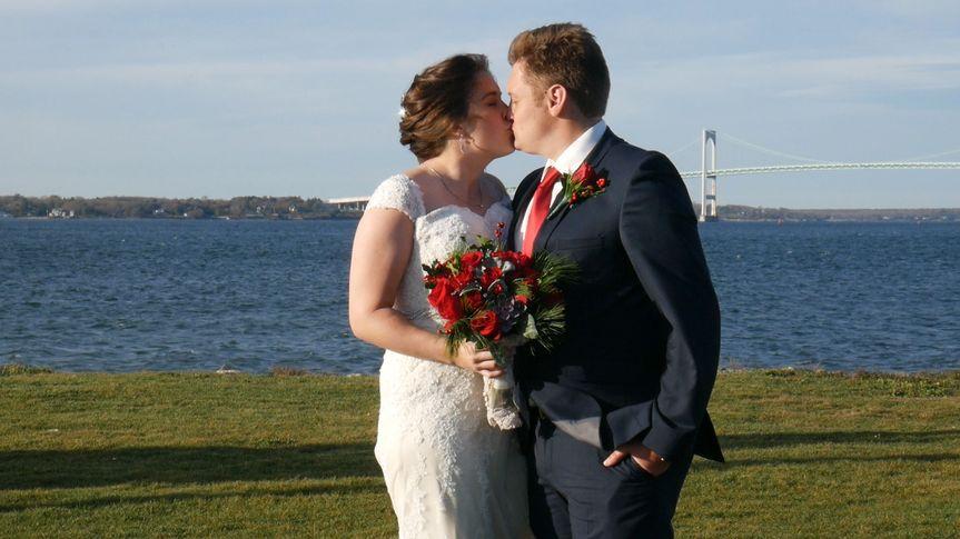 A waterfront wedding (Amylon Productions)