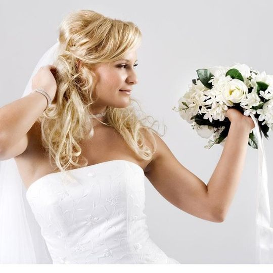 Bridal make-up at Aquamedica Day Spa and Salon NJ