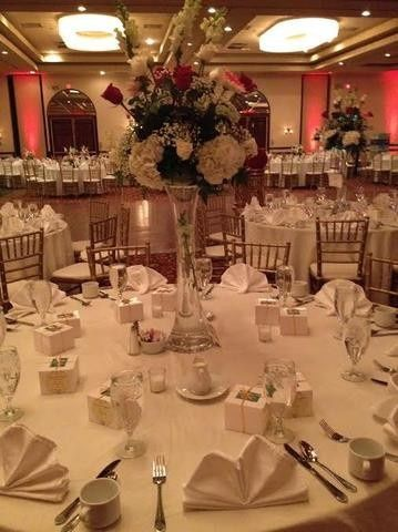 Table setting with centerpiece