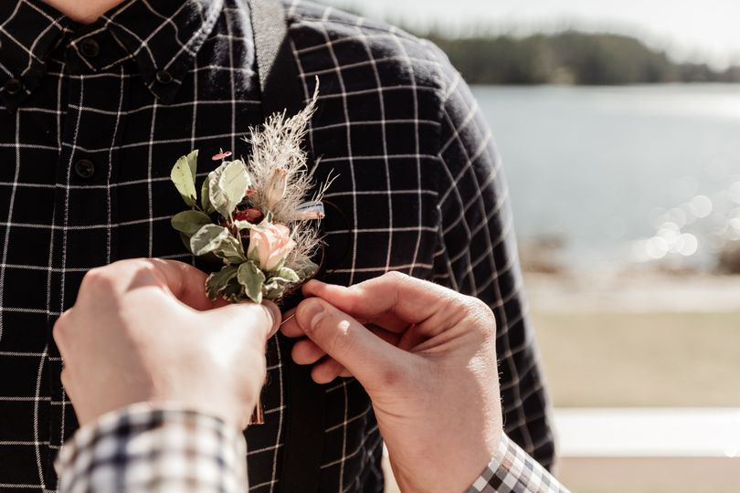 Boutonniere: LoveLight Photography