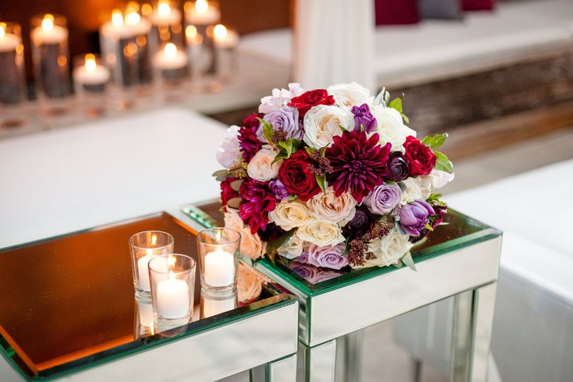 Winter Romance in Laguna Beach Photo Credit | Nicolette Moku Florals | The Bloom of Time